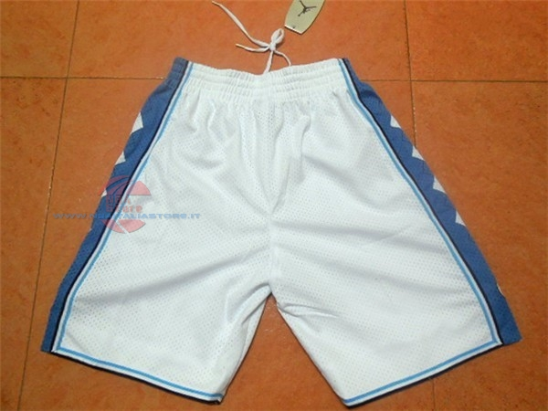 Acquista Pantaloni Basket North Carolina Bianco